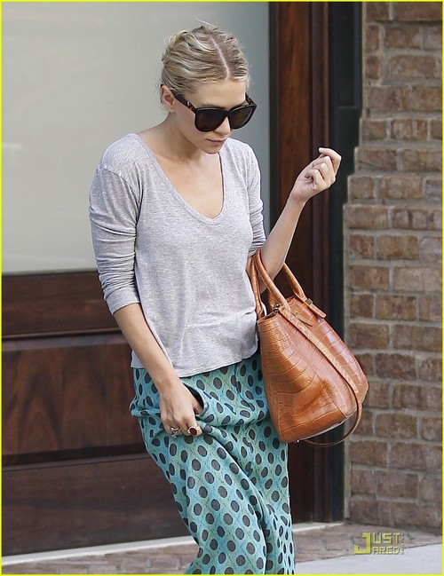 Ashley-olsen-tshirt-mary-kate-05_large