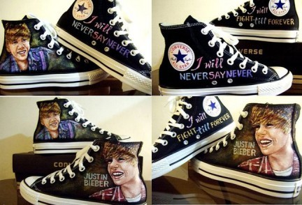 Justin-bieber-hand-painted-converse-432x294_large