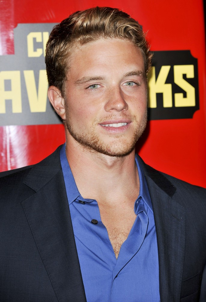 Jonny Weston Group of Jonny Weston We