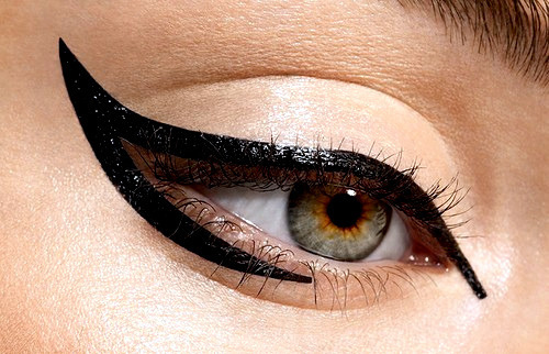 Cat-eye-eye-liner-make-up-makeup-favim.com-95115_large
