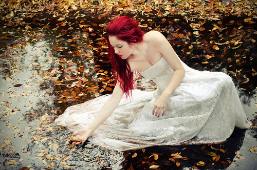 Autumn-dress-hair-leaves-pretty-rain-favim.com-95018_large
