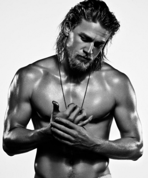 Charlie-hunnam-shirtless-e1305148158187_large