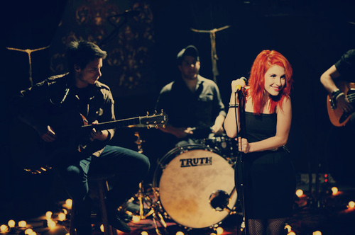 Farro-hayley-hayley-williams-josh-paramore-q1w2-favim.com-97506_large