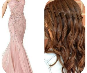 drees hairstyle prom girl