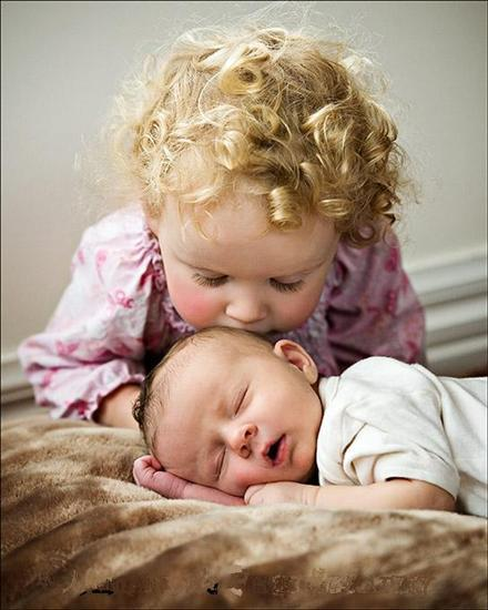 Kids-love-pictures-sister-girl-and-baby_large