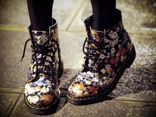 What are these types of boots for women called? | Yahoo Answers