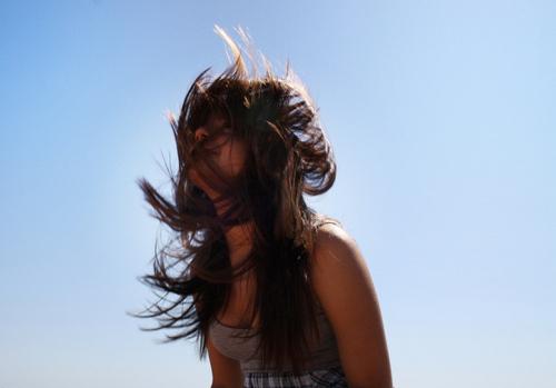 tousled haird, wind-blown hair