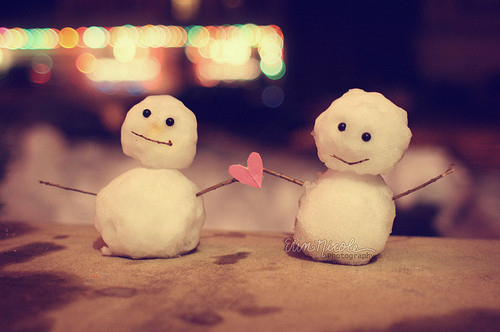 http://data.whicdn.com/images/11887572/cute-heart-love-photography-snowman-Favim.com-102053_large.jpg?1310472946