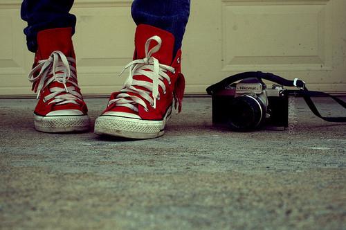 All-star-camera-chucks-fashion-girl-photography-favim.com-103134_large