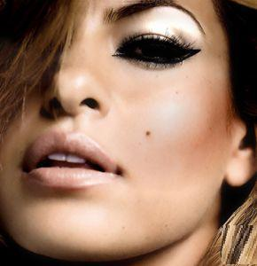 http://data.whicdn.com/images/11974197/eva_mendes__large.jpg