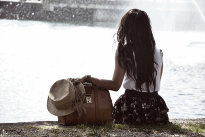 Alone-bag-brunette-fashion-girl-hat-favim.com-79205_large