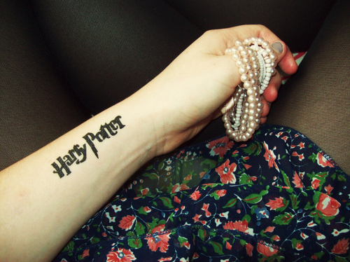 Fashion-floral-girl-harry-potter-nails-tattoo-favim.com-105340_large