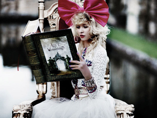 Alice,in,wonderland,blonde,book,bow,fantasy,girl-027c68d810866799a7d1f1056f71a2e6_h_large