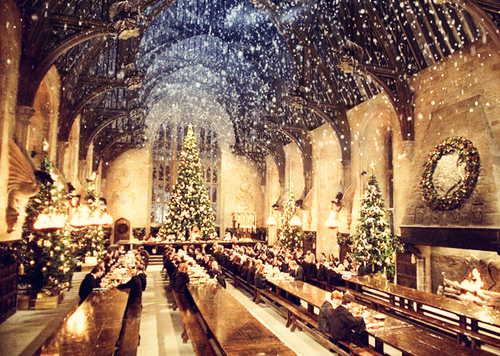 Christmas-great-hall-harry-potter-hogwarts-snow-winter-favim.com-64426_large