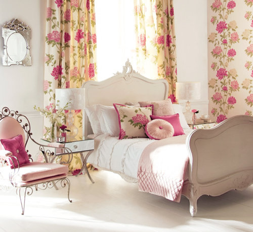 Bed-bedroom-floral-flowers-girly-pink-favim.com-104999_large