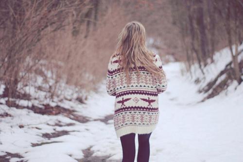 Blonde-girl-photography-snow-sweater-winter-favim.com-104426_large_large