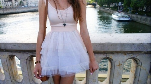 http://data.whicdn.com/images/12115628/cute-fashion-girl-photography-skirt-Favim.com-84032_large.jpg?1310976618