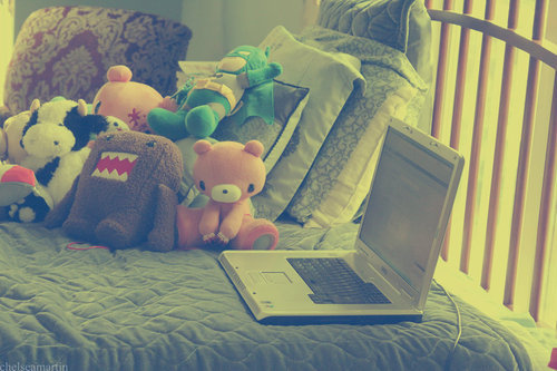Bed_and_computer_by_missfortunex-d3ibex1_large_large