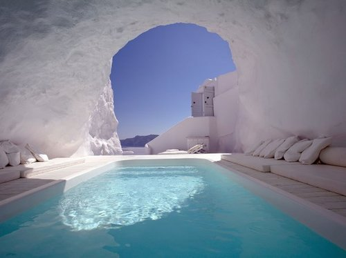 cave-pool-in-santorini-1_large.jpg