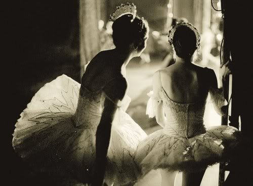 Black,and,white,fem,art,ballet,vintage,photography-8c41ebbf1206e6638b350b6ca7df945f_h_large