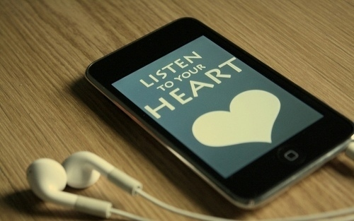 Earphones-heart-ipod-text-the-maine-favim.com-42818_large