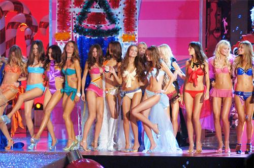 Adriana-lima-alessandra-ambrosio-angels-bianca-balti-blondes-brunettes-favim.com-84816_large