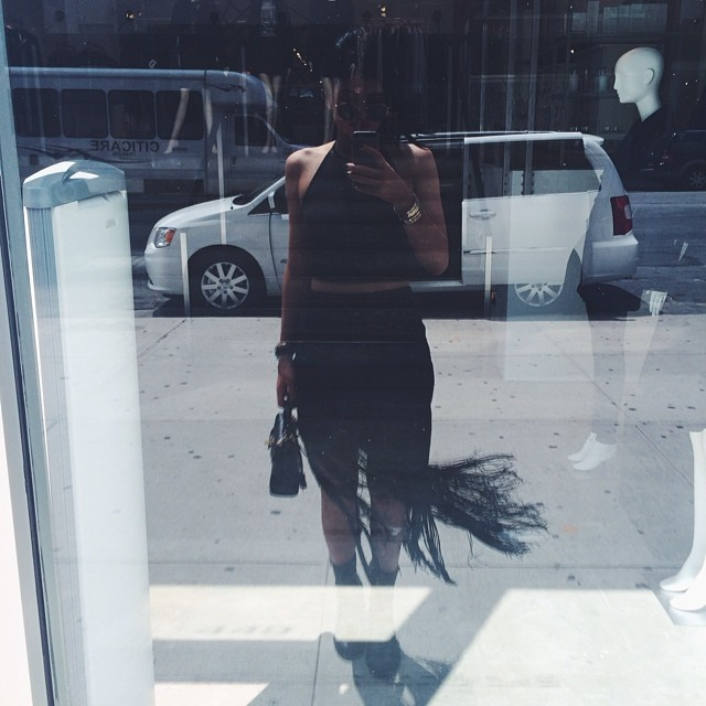 A different mirror selfie by agustina WHI. Iphone Mirror Selfie Tumblr