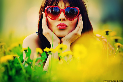 Colors,flowers,heart,red,sunglasses,vintage-45e4f2104269bf47b4f0d2a86ce116d2_h_large