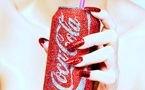 Coca-cola-glitter-nails-photography-red-favim.com-114263_large