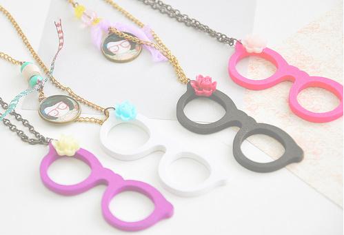اروع الاكسسورات،اكسسورات دلع،اكسسورات ولا اروع colorful-cute-fashion-flowers-glasses-necklace-Favim.com-73535_large.jpg?1311784047