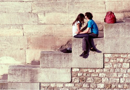 Couple,cute,love,kiss,paris,steps-d700b50a70975e15b9fdbdb56a4fcd1e_h_large