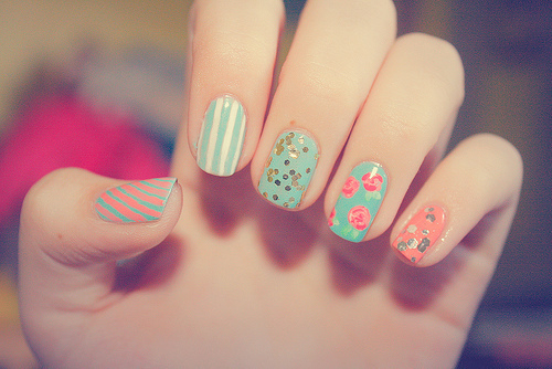 Pretty_nails_by_mapplejuice-d41jfdl_large