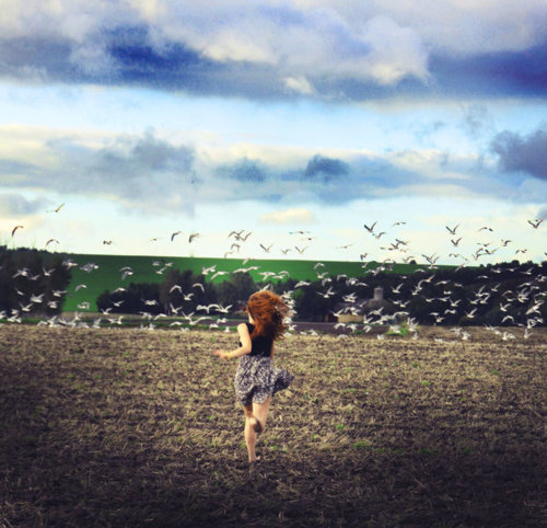 Birds-cloud-girl-pretty-running-favim.com-116014_large