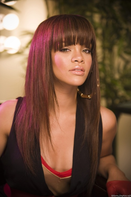 Rihanna-photoshoot_portraits_2006_0031_large