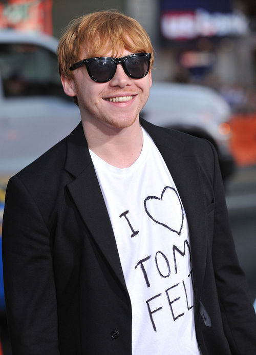 Rupert-grint-mit-tom-felton-shirt-4_large. report this entry