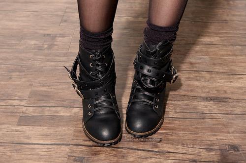 Boots-fashion-girl-shoes-studs-favim.com-59395_large