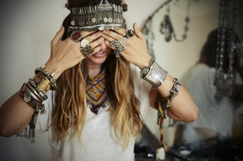 Bracelets,girl,jewelry,antique,fashion,indian-73b4dfbdc224b8e640b7b720bde7b47a_h_large