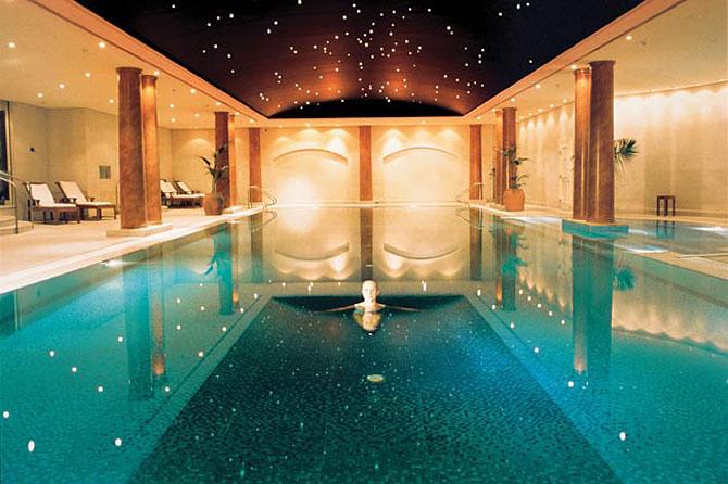 Dubai burj al arab swimming pool recherche google by for Best spa hotel dubai