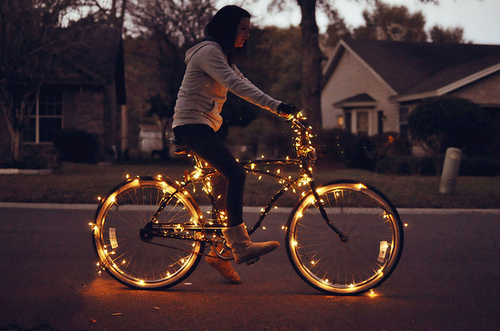 Bike-christmas-girl-lights-favim.com-118398_large