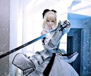blonde hair girl cosplay