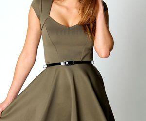 Boohoo Lara Sweetheart Neck Hip Length Skater Dress