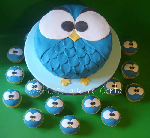 Blue-owl-cake-and-cupcakes_large