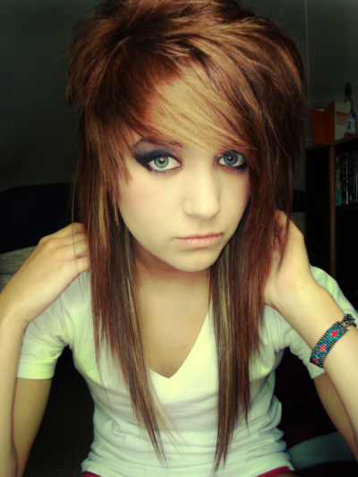 Emo-hair-styles-for-girls-b_large