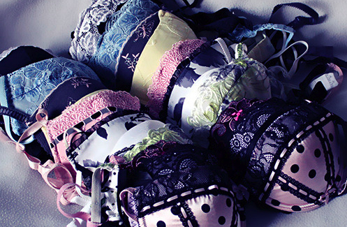 Bras-colourful-cute-lingerie-photography-runawaylove.blogg.no-favim.com-56008_large