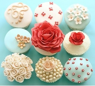 Baking%2ccake%2ccupcakes%2cflower%2cflowers%2cfrosting%2cpretty-f3be70d78b3ac205ec4c4e4f5e6ec8dc_i_large