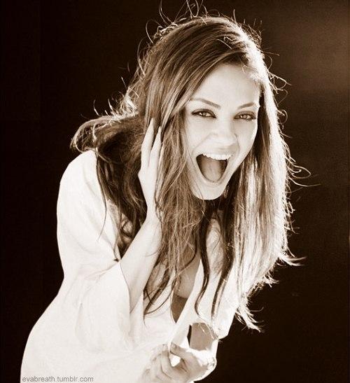 Actress-beautiful-laughing-mila-kunis-pretty-favim.com-121131_large