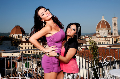 Skinny-jwoww-and-snooki-jersey-shore-season-4-premiere_large