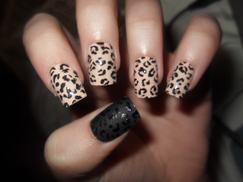 Here are some pictures of nail designs .
