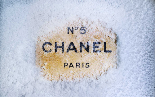 Chanel-fashion-paris-snow-favim.com-125194_large