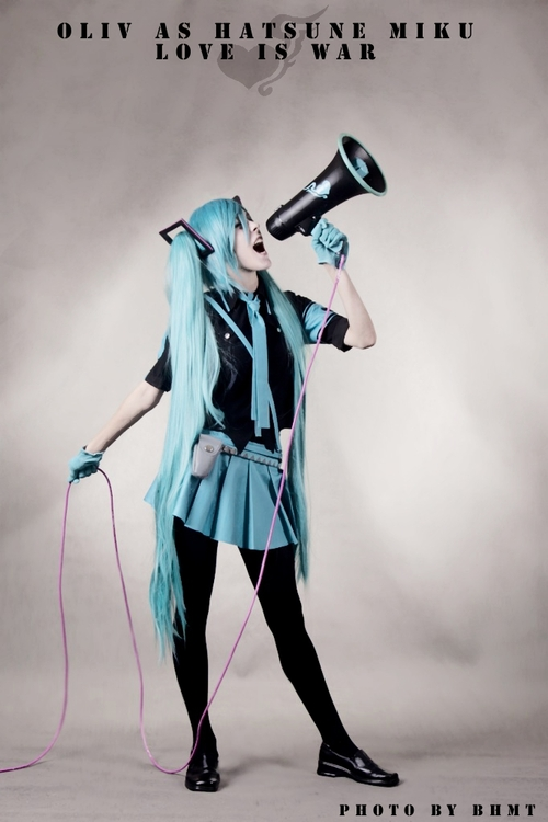 Hatsune_miku___love_is_war_by_hellokot-d2xksre_large